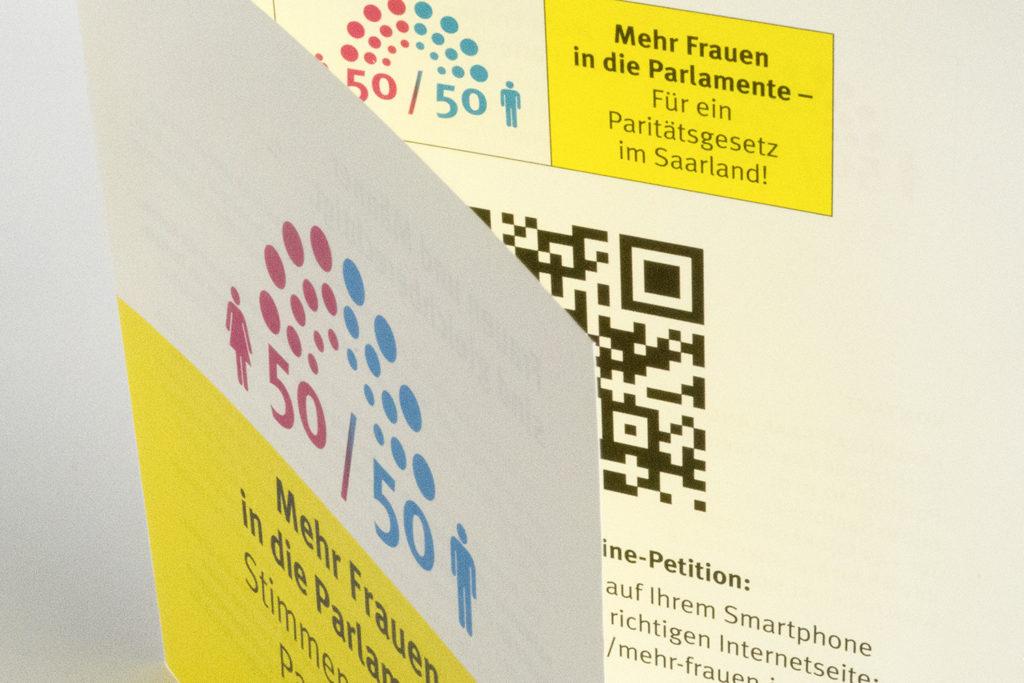 """Grafikdesign Faltblatt Online-Kampagne auf OpenPetition """"Mehr Frauen in die Parlamente"""" Ausschnitt"""